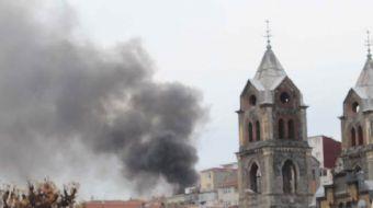 İstanbul'da Beyoğlu Hacı Ahmet Mahallesi'nde bulunan 3 katlı ahşap binanın çatısında yangın çıktı. Y