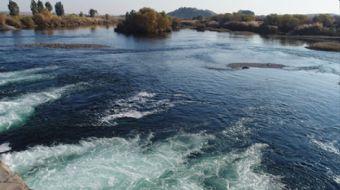 Türkiye'de filmlere, şarkılara konu olan Fırat Nehri, şimdi stratejik önem taşıyor. Suriye'de iç sav