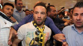 Fenerbahçe'nin Lyon'dan transfer ettiği Mathieu Valbuena, İstanbul'a indikten sonra açıklamalarda bu