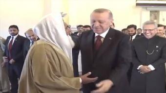 Pakistanlı imamdan Başkan Erdoğan'a 'siz kıldırın' ısrarı