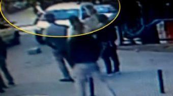 İstanbul Bağcılar'da özel bir lisenin öğrencileri okulda kağıttan yaptıkları top nedeniyle tartıştı.