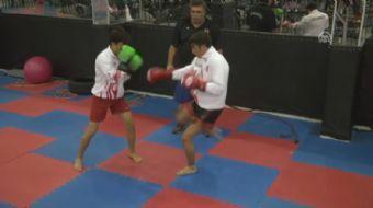 Kick boks ve Muay Thai'de Türkiye şampiyonu olmayı başaran Şanlıurfalı Agolday kardeşler, dünya şamp