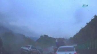 Çin'de yaşanan zincirleme trafik kazasında 6 kişi öldü, 16 kişi yaralandı. Guangdong eyaletinde meyd
