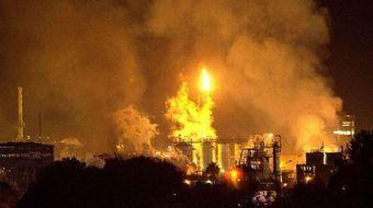 İspanya'da Büyük Patlama! Kimyasal Alarm Verildi