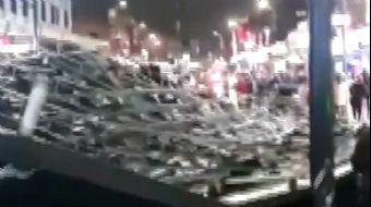 İngiltere'de Brendan Fırtınası Bir AVM'nin Çatısını Uçurdu