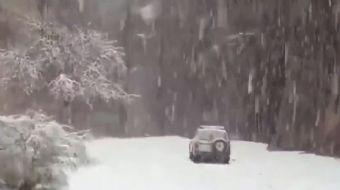 Suudi Arabistan'da Çöle Lapa Lapa Kar Yağdı