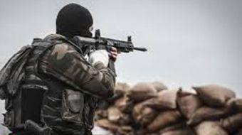 Van'da teröristlerin kış üslenme alanlarına yönelik düzenlenen operasyonda ele geçirilen patlayıcı d