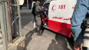 İsrail askerlerinin Filistinli protestocuyu vurma anı