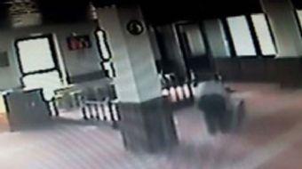 Bursa'nın merkez Osmangazi İlçesi?nde, sabah namazı sonrası camiye giren hırsız, yardım paralarının