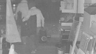 Mersin'de farklı tarihlerde iş yerlerinden hırsızlık yapan şahıslar, güvenlik kameraları tarafından