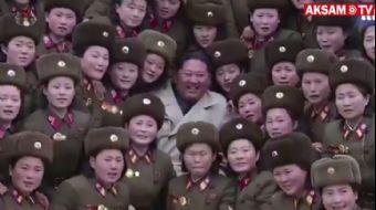 Kuzey Koreli Kadın Askerler, Kim Jong-un İçin Mini Konser Verdi