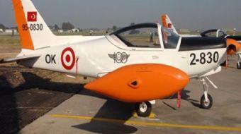 İzmir Çiğli 2. nci Ana Jet Üssü´nde eğitim uçağının düştüğü, 2 pilotun şehit olduğu bildirildi.