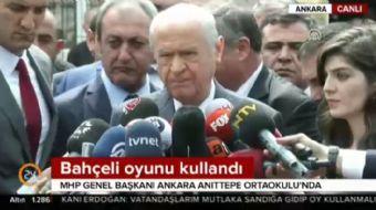 MHP Genel Başkanı Devlet Bahçeli Ankara'da oyunu Anıttepe Ortaokulu'unda kullandı.