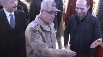 Siirt´te esnafı ziyaret eden Jandarma Genel Komutanı Orgeneral Arif Çetin eski habercisiyle karşılaş