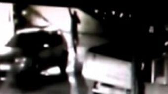 Silivri'de bir iş adamı evinin önünde silahlı saldırıya uğradı. İş adamı hafif yaralanırken seken ku