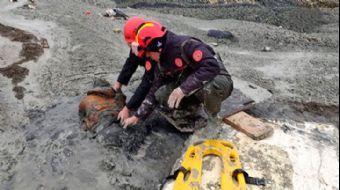 Oto Hırsızı Polisten Kaçarken Çamura Gömüldü