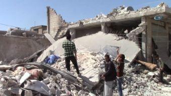 Suriye rejimine ait savaş uçakları, sabahın erken saatlerinde İdlib'in kuzey kesim yakınlarındaki Ma