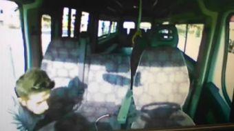 Sakarya'nın Adapazarı ilçesinde bulunan bir minibüs durağında farklı zamanlarda minibüslerden yapıla