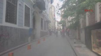 Yunanistan'ın İstanbul Başkonsolosluğu binasından dumanlar yükseliyor
