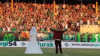 Spor Toto 3. Lig 3. Grup'ta m�cadele eden Sakaryaspor'un bu ak�am sahas�nda konuk etti�i D�zyurtspor