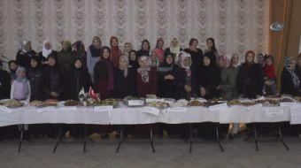 Türk ve Suriyeli kadınlar ülkelerine özgü birbirinden lezzetli yemekleri evlerinde pişirdi, birlikte