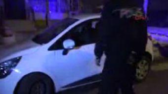 Konya'da bir otomobil sürücüsü direksiyon başında baygın halde bulundu. Ambulansla hastaneye kaldırı