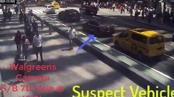 New York'taki Times Meydanı'nda bir aracın kaldırıma çıkması sonucu 1 kişinin öldüğü, 22 kişinin yar