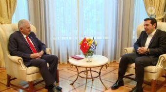 Başbakan Binali Yıldırım, temaslarda bulunmak üzere geldiği Atina'da Yunanistan Başbakanı Alexis Çip
