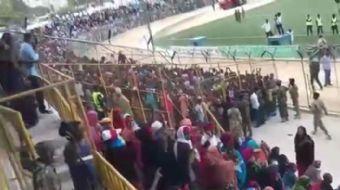 Somali'de meydana gelen terör saldırısından sonra Mogadişu stadyumunda protesto gösterisi düzenlendi