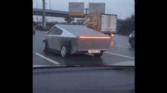Tesla Cybertruck'ın Kopyası Rusya Sokaklarında Görüldü