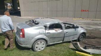 Konya'da kontrolden çıkan otomobil, önce önündeki otomobile çarptı, ardından da yaklaşık 4 metre yük