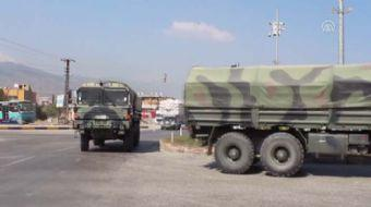 Sınır birliklerine takviye amaçlı gönderilen komando birlikleri Hatay'ın Reyhanlı ilçesine geldi
