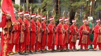 D-8 Zirvesi'ne katılan ülkelerin liderleri ve Cumhurbaşkanı Recep Tayyip Erdoğan Dolmabahçe Sarayı'n