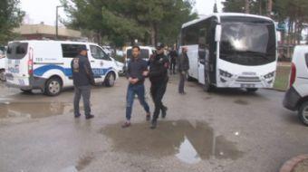 Adana'da terör örgütü DEAŞ'a yönelik operasyonda gözaltına alınan ve kendilerine 'Yalnız kurt' ismi