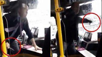 İstanbul'da bir yolcu otobüsünde şoförün yolculara bıçak çektiği anları gösteren video sosyal medyad