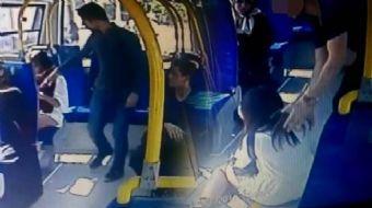 Pendik'te minibüste şortlu kıza saldırı anı kameralara böyle yansıdı