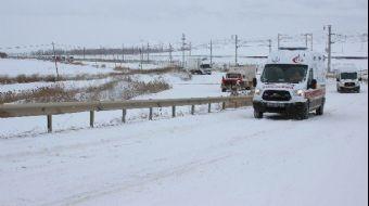 Kar yağışı Andolu'da sürücülere zor anlar yaşattı