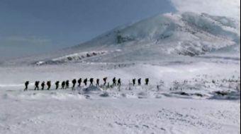 Vanlı Dağcılar, Van Gölü İçin 2 Bin 800 Rakımlı Hayal Dağı'na Zirve Yaptı