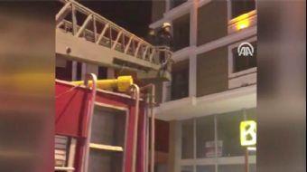 Kumar Operasyonunda Alt Katın Balkonuna Atlayan Şüpheliyi İtfaiye Kurtardı