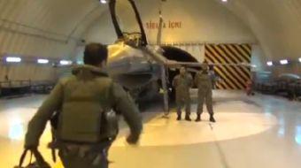 TSK ilk kez yayınladı: Uçak pilotlarına görev emri geldikten sonra yaşananlar TSK tarafından paylaşı