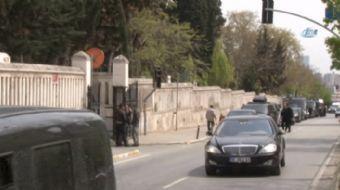 Cumhurbaşkanı Recep Tayyip Erdoğan, babası Ahmet ve annesi Tenzile Erdoğan'ın Karacaahmet Mezarlığın