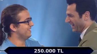 ATV'de Murat Yıldırım'ın sunumuyla ekrana gelem 'Kim Milyoner Olmak İster'in dün akşam ekrana gelen