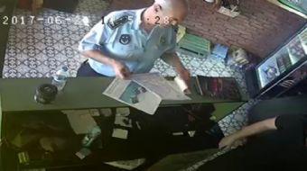 Çanakkale'nin Biga ilçesinde belediyeye bağlı Zabıta Müdürlüğü'nde görev yapan zabıta amiri E.Y. rüş