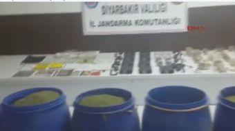 Diyarbakır'ın Lice kırsalında PKK'lı teröristlere ait 190 kilo amonyum nitrat, patlayıcı ve telsizle