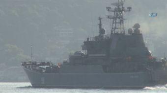 Rus Donanması'na ait 'Ceaser Kunikov' ve 'Pytlivy' isimli savaş gemileri, bu sabah aynı dakikalarda