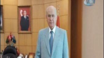 Klasik otomobillere olan ilgisi ile dikkat çeken Milliyetçi Hareket Partisi (MHP) Genel Başkanı Dev