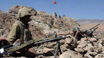 Kahraman Mehmetçik PKK'lı teröristlere nefes aldırmıyor!