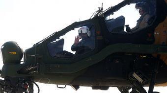D-8 zirvesi için İstanbul'da bulunan Pakistan Başbakanı Şahid Hakan Abbasi, Türkiye Havacılık ve Uza
