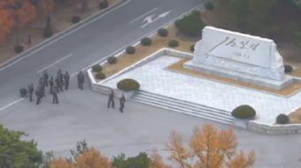 Kuzey Koreli bir asker, Pazartesi günü askerden arındırılmış bölgeden Güney Kore'ye kaçarken sınır m