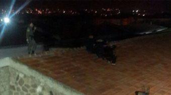 İzmir Buca E Tipi Cezaevi'nden firar etmeye çalışan 5 kişi jandarmanın dikkati sayesinde çatıda yaka